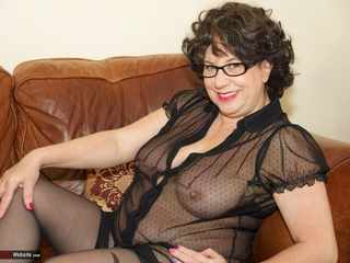 AuntieTrisha - Stripping in the Lounge
