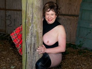 AuntieTrisha - Flashing in the Old Barn