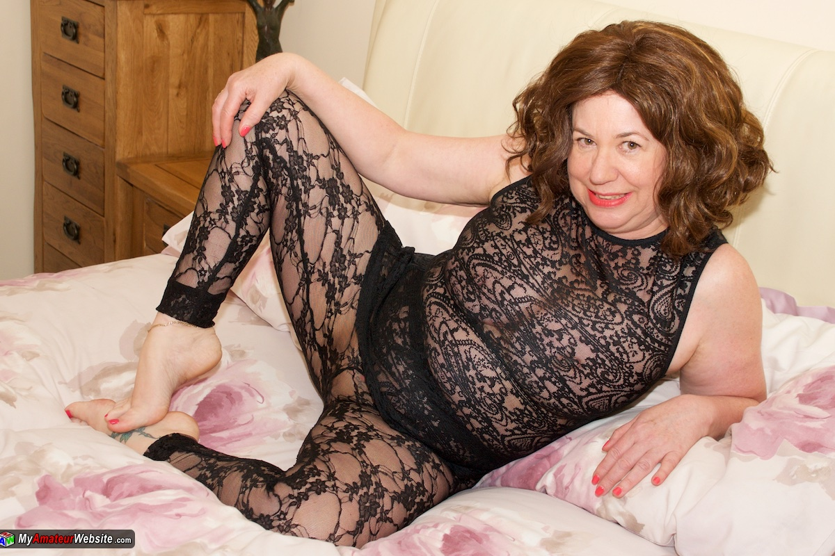AuntieTrisha - Black Lace Tights