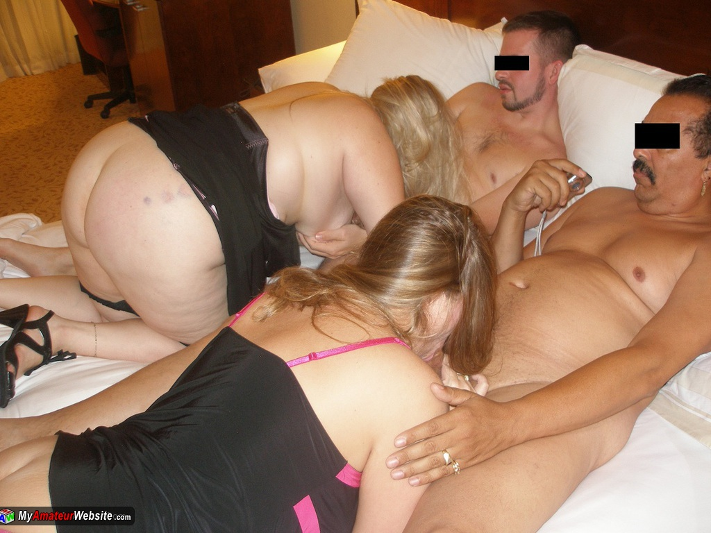 GangbangMomma - Four Some With Beefy Blonde
