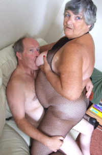 GrandmaLibby - 75 years young and a sex drive that no one man can handle. Grandmalibby is your favourite swinging granny that loves to fuck