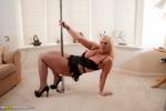 Melody - Pole Dancer
