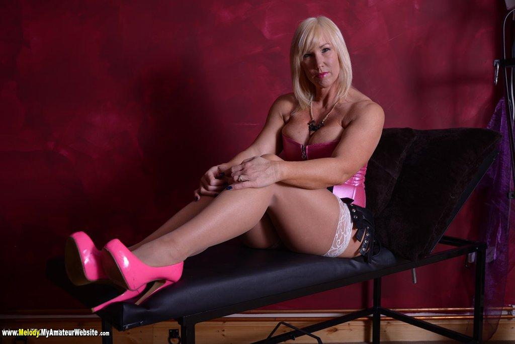 Melody - Pink Corset
