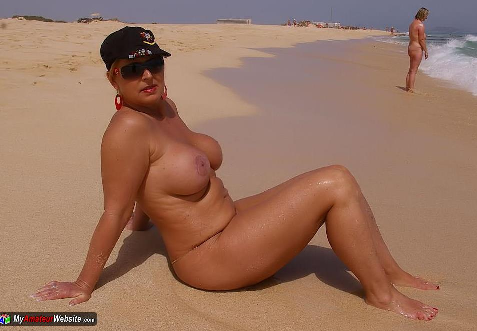 NudeChrissy - Holiday in fuerteventura