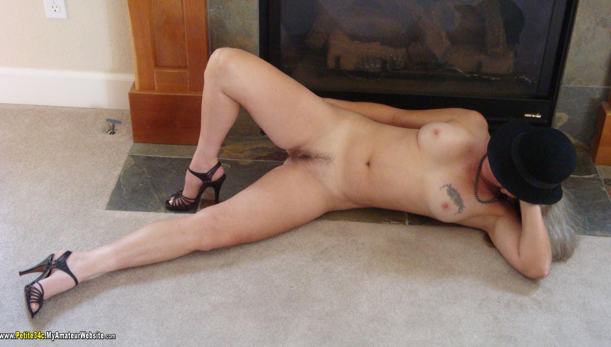 Blonde girl grabs her heels while sucking dick - Slutloadcom