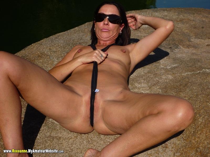 Topic Milf in sling bikini