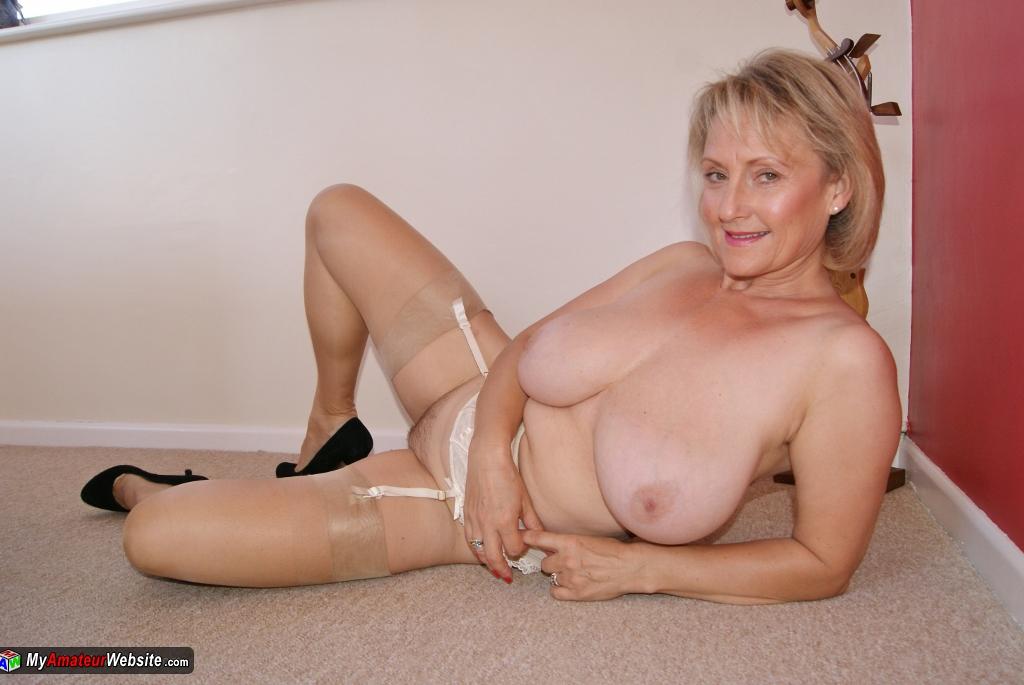 free liza snyder nude pics