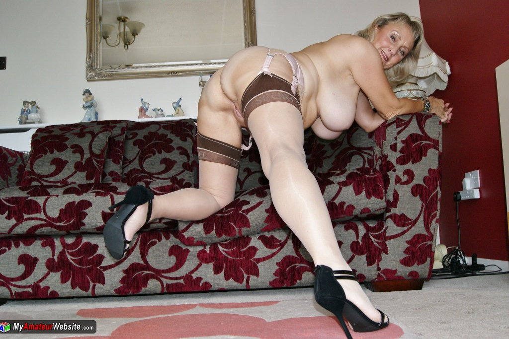 Sugarbabe - A Member Gets More Than A Photoshoot Thi