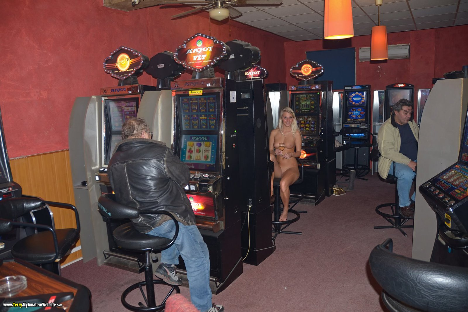 Terry - Jackpot Bar