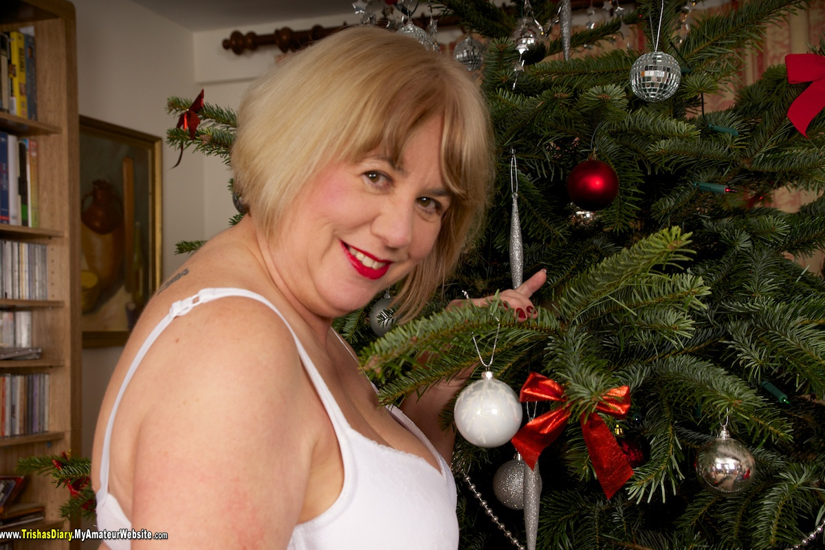 TrishasDiary - Xmas Three Some