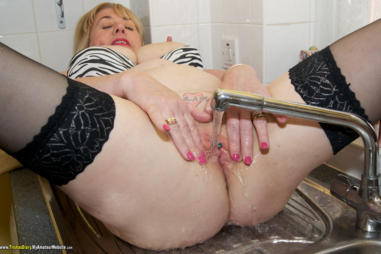 C├║ sink piss video First
