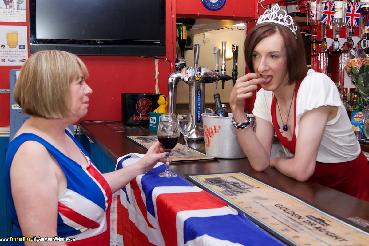 TrishasDiary - In The Bar With Lisa