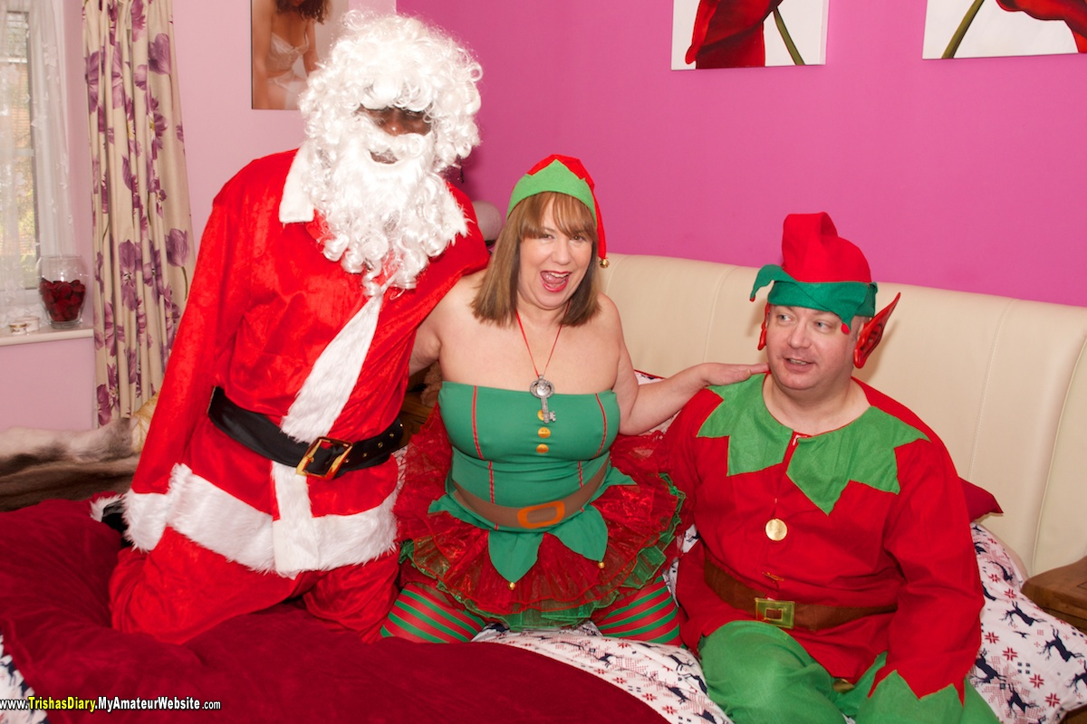 TrishasDiary - Santas Little Helper