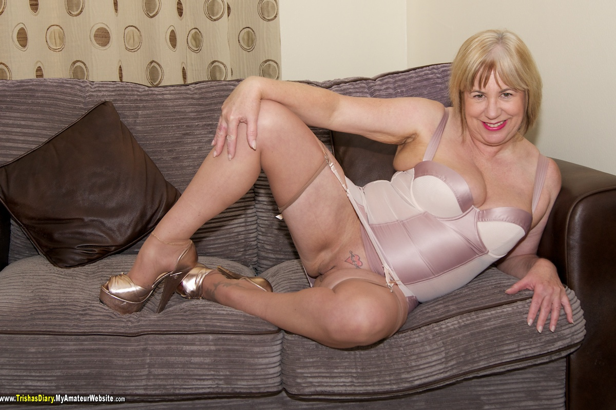 TrishasDiary - Stripping in the Lounge