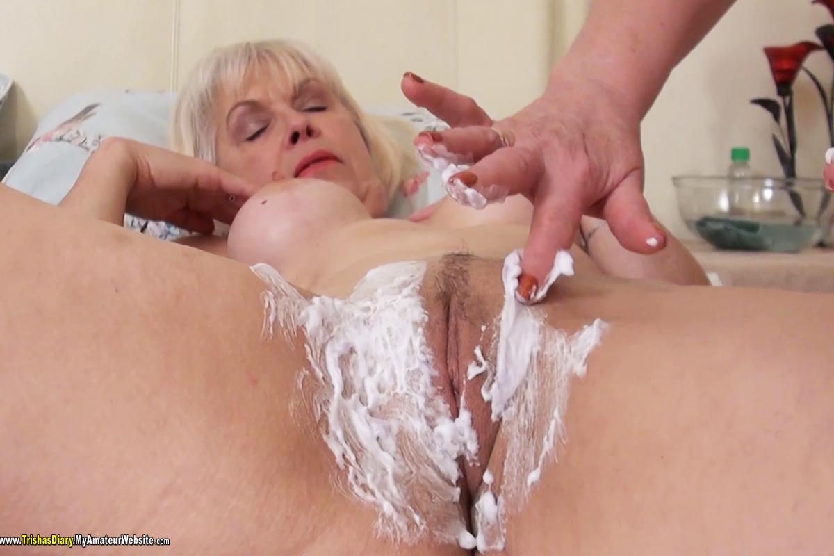 TrishasDiary - Shaving Lady Sextasy pt 1