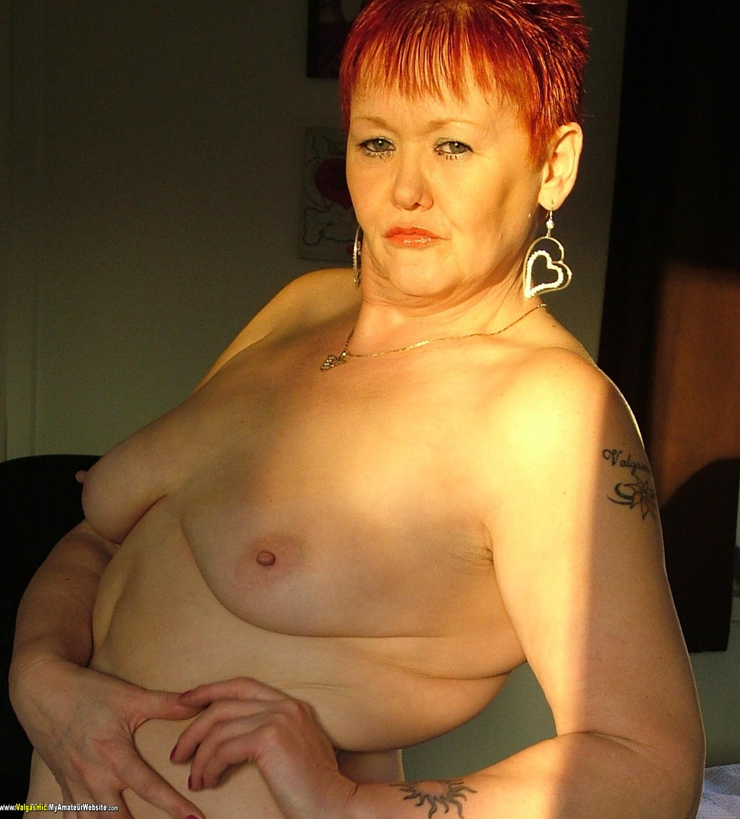 nude women big boob g string