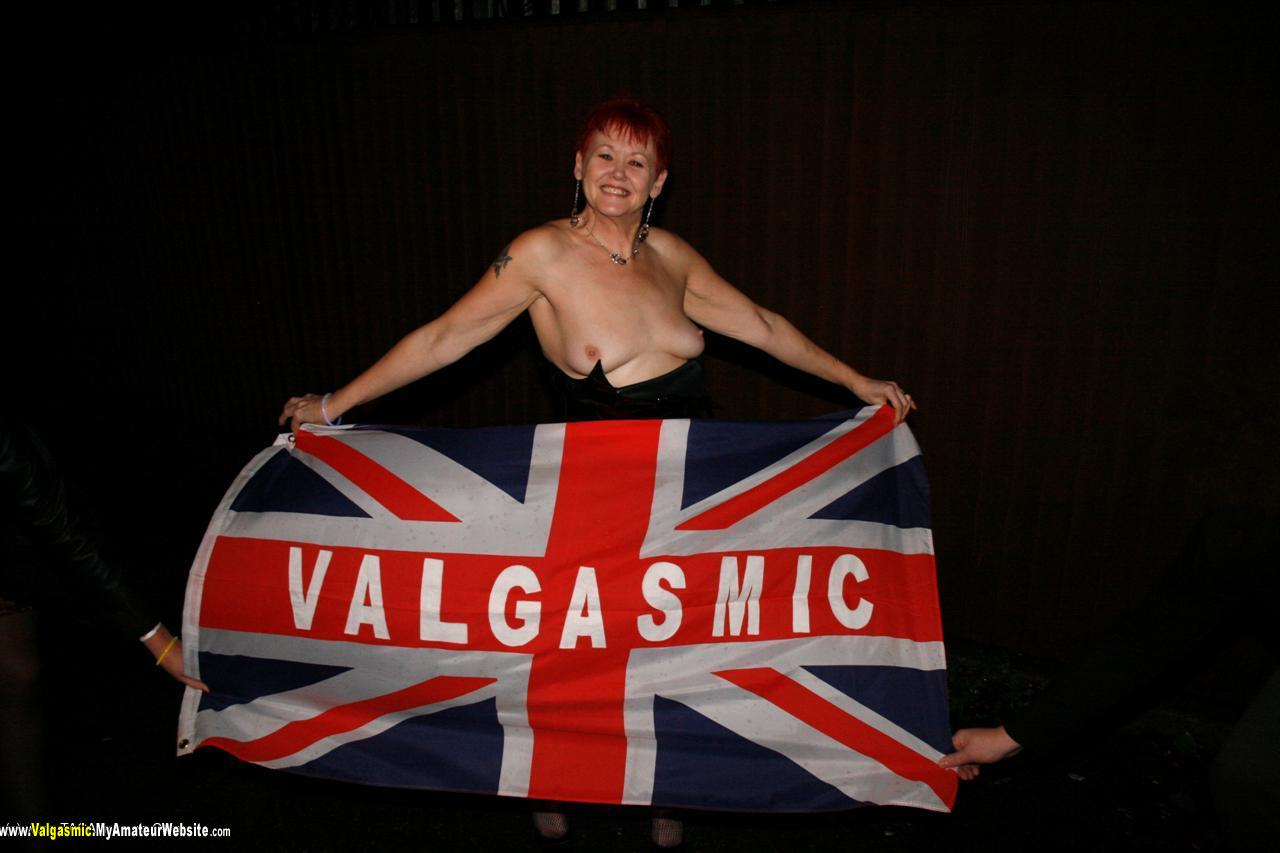 Valgasmic - Pub Flashing
