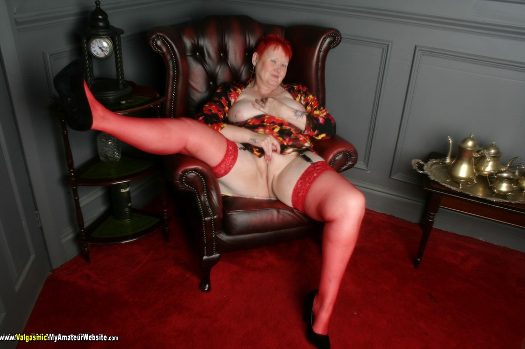 Valgasmic - Red Stockings