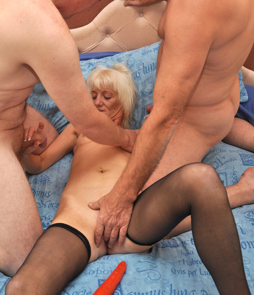 funny 3some