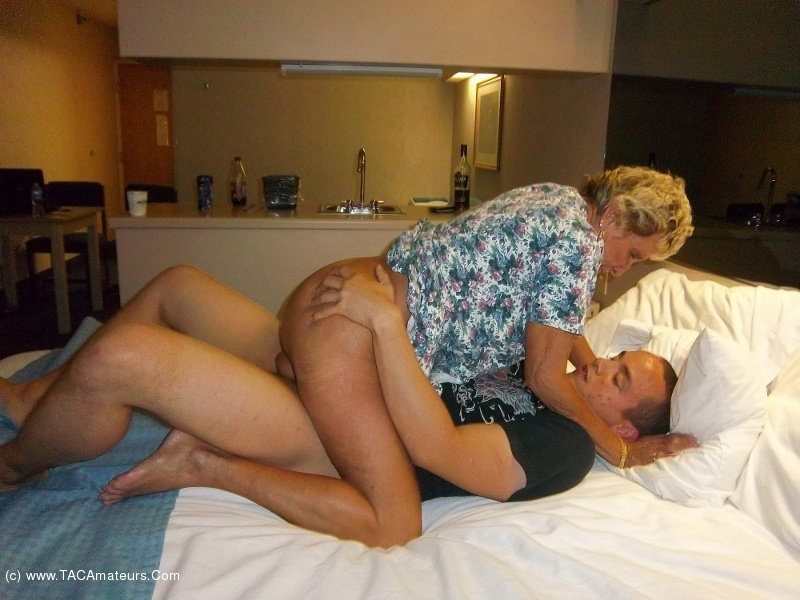 Amateur swingers free sex pics
