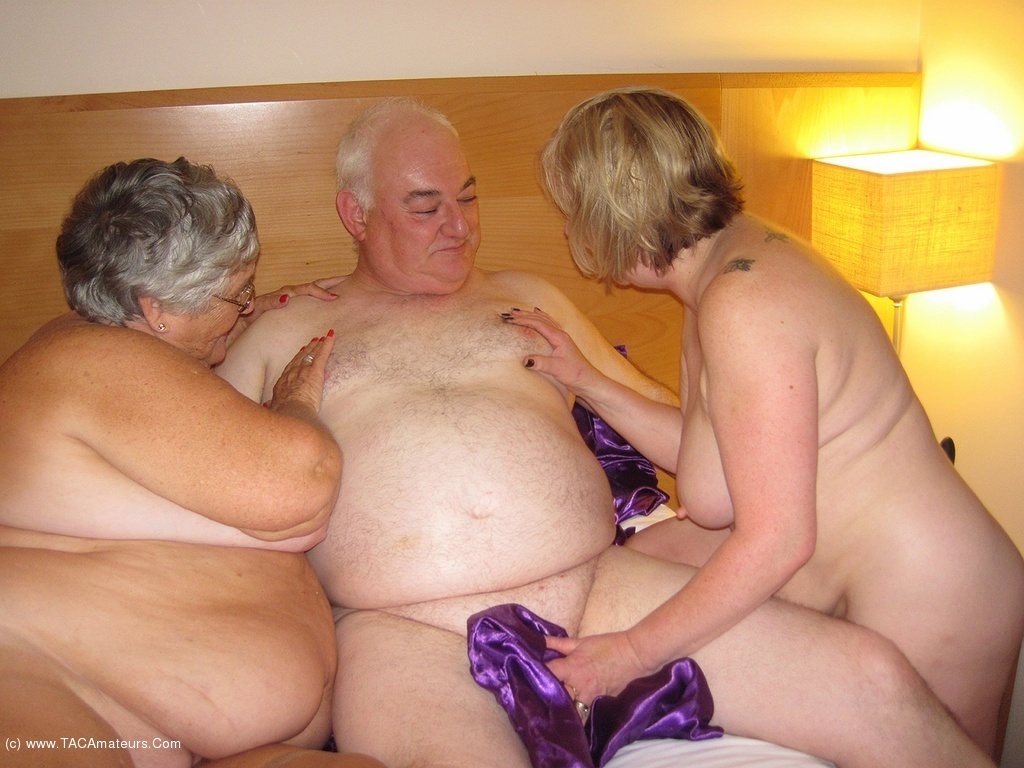Granny couple porn