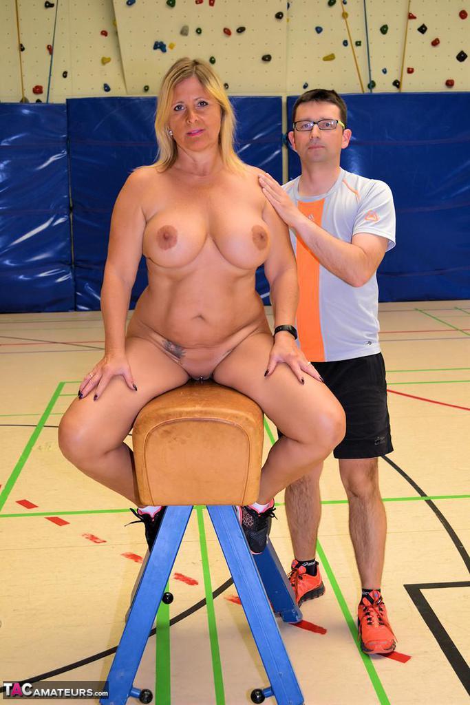 Nackt Sport