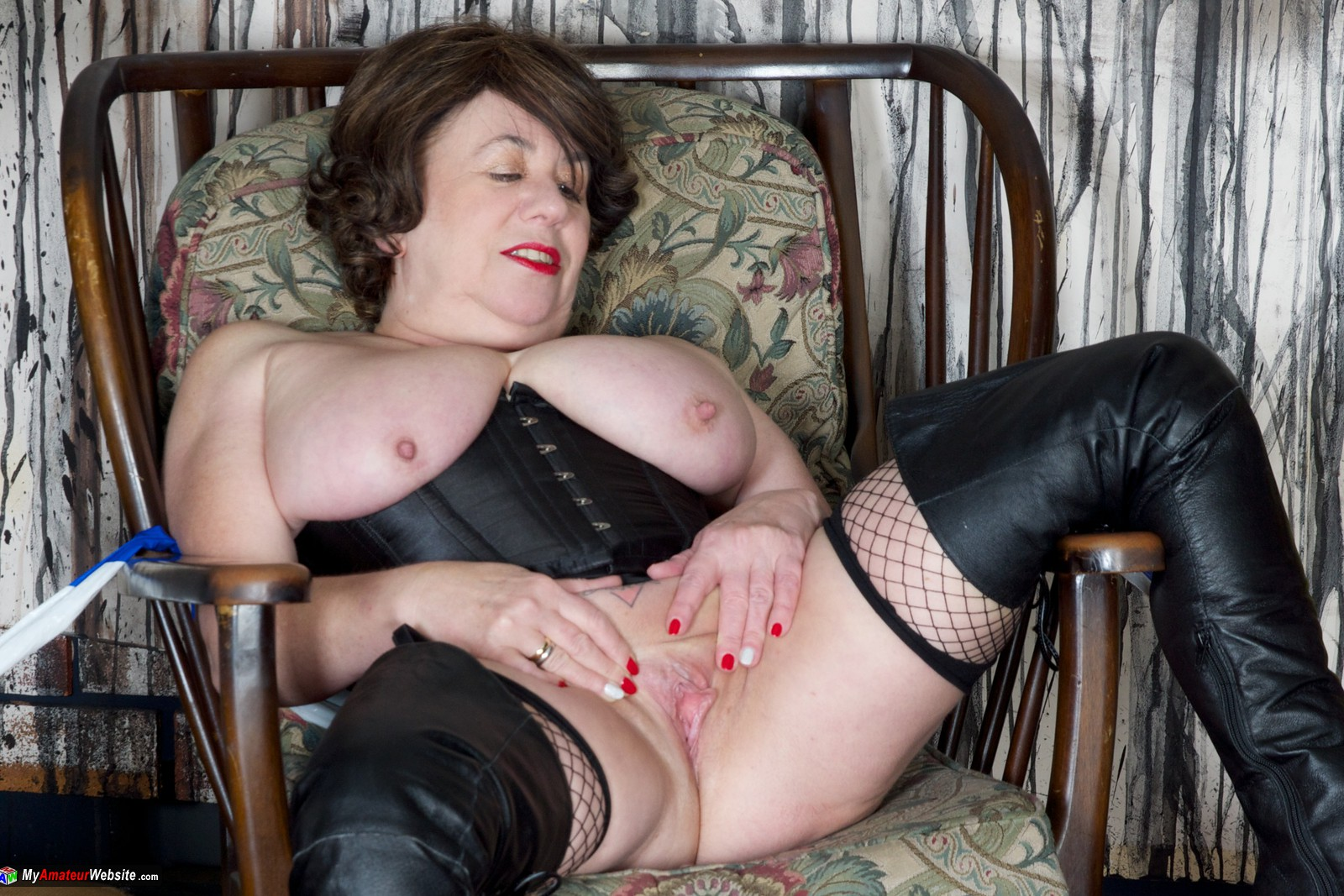 Amateur gilf is my personal slut - 2 part 4
