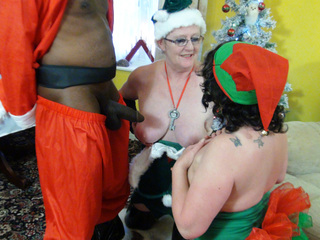 AuntieTrisha - Santa's Lost Key Pt 2 HD Video