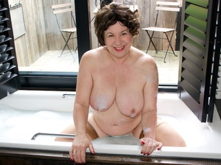 AuntieTrisha - Bathroom Shoot Gallery