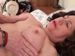 AuntieTrisha - Text Message Meet Pt 4 HD Video