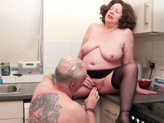 AuntieTrisha - Pissing in the Kitchen HD Video