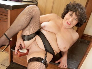 AuntieTrisha - In The Kitchen Gallery