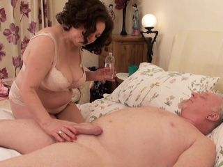 AuntieTrisha - Happy Endings Massage Pt 2 HD Video
