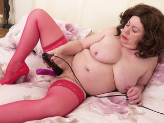 AuntieTrisha - All in Red Pt 2 HD Video