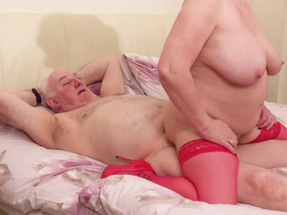 AuntieTrisha - Fucking My Photographer Pt 3 Video