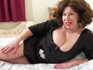 AuntieTrisha - Sequin Dress Pt 1 HD Video