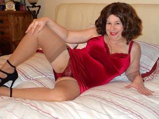 AuntieTrisha - Playing on the Bed Gallery