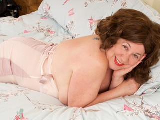 AuntieTrisha - Beige Basque Gallery