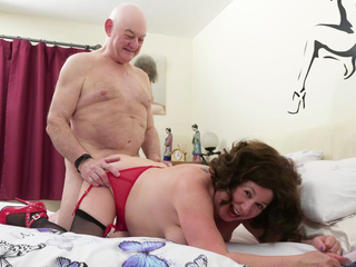 AuntieTrisha - The Doctor is in the house Pt 2 HD Video