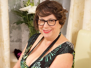 AuntieTrisha - Green Dress Gallery