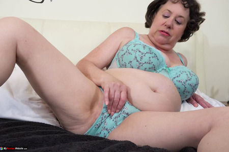 AuntieTrisha - Blue Underwear (The Movie) Pt 1 HD Video