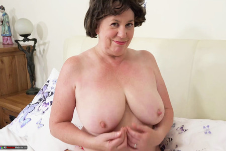 AuntieTrisha - Strawberries & Cream Pt 1 HD Video