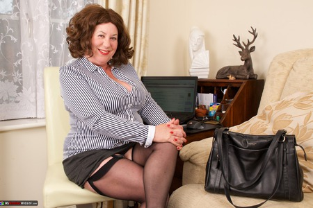 AuntieTrisha - Working From Home Gallery
