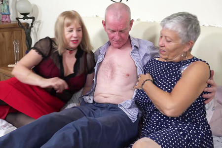 AuntieTrisha - Auntie Trishas New Neighbour Pt1 HD Video