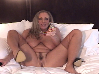 AwesomeAshley - Auntie Ashley gets intimate pt 2 Video