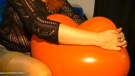 CindyUK - Balloon Girls Pt3 HD Video