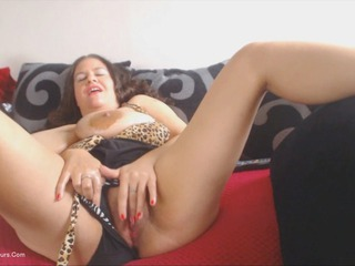 DeniseDavies - Oiling Boobs Pt3 HD Video