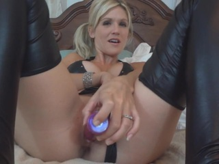 JoleneDevil - Ralphs rubber and toy show Pt1 HD Video