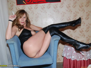 LusciousModels - Michelle, mature whore (2-1) Gallery