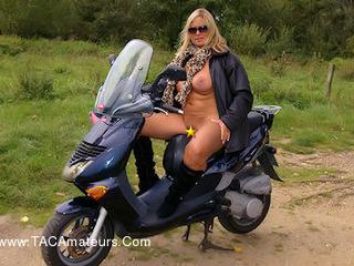 NudeChrissy - Nude On My Scooter